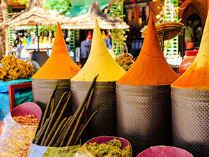 travel-event-morocco-market-spices